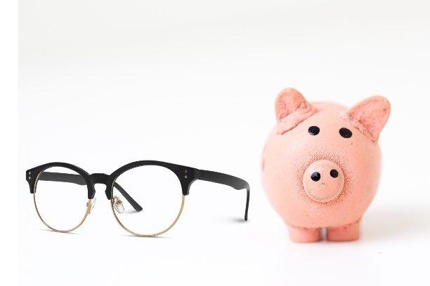 τιμές στα πολυεστιακά γυαλιά