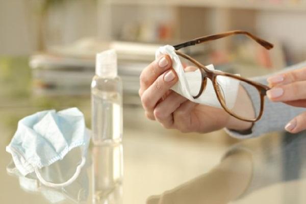 γυαλιά με τη μάσκα